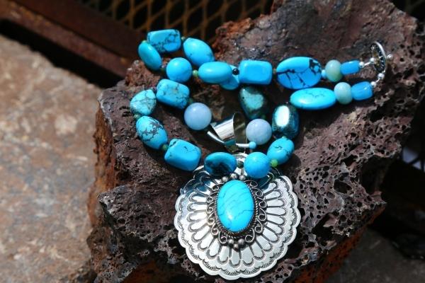 Turquoise/Aquamarine